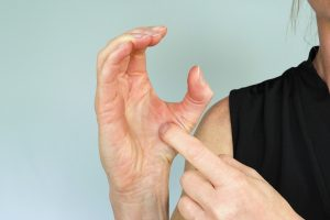 Thumb C exercise to strength thumb muscles